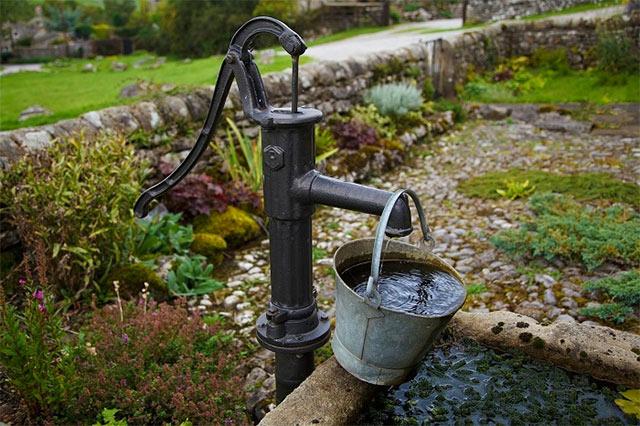 как поливать