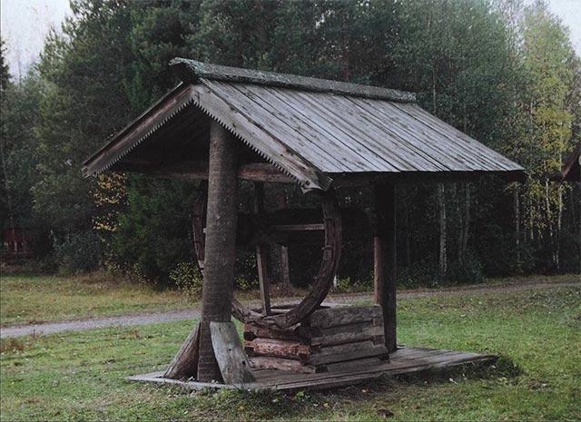 Водв а деревянных колодцах не замерзает